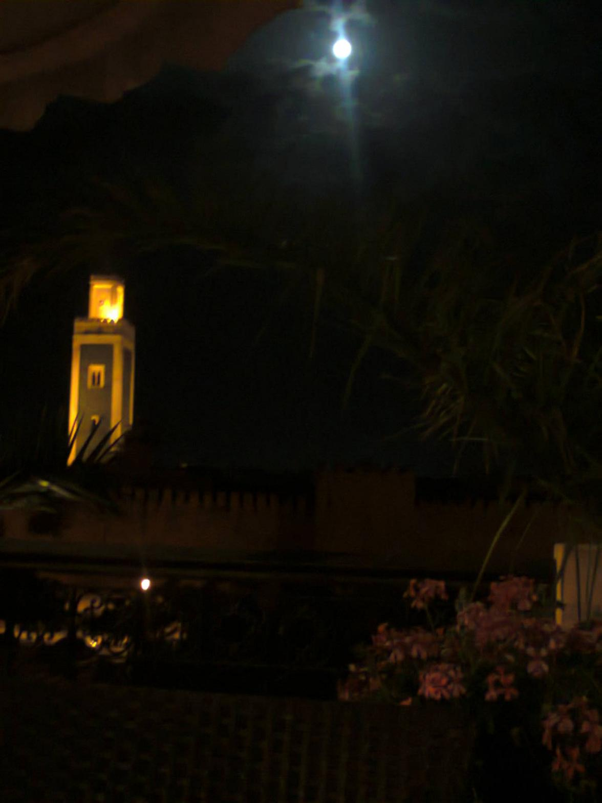 Full moon, the mosque, hot night..who needs more? <3